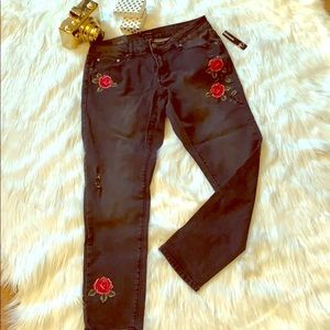 Skinny embroidered rose sz10 reg weathered jeans